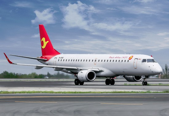 самолет Tianjin Airlines